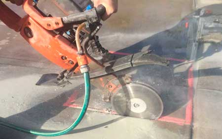 cut-n-break-concrete-sawing-small.jpg